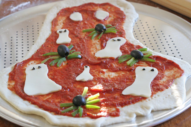 Baking a Difference for No Kid Hungry, Fun Spooky Pizza Recipe and {GIVEAWAY}
